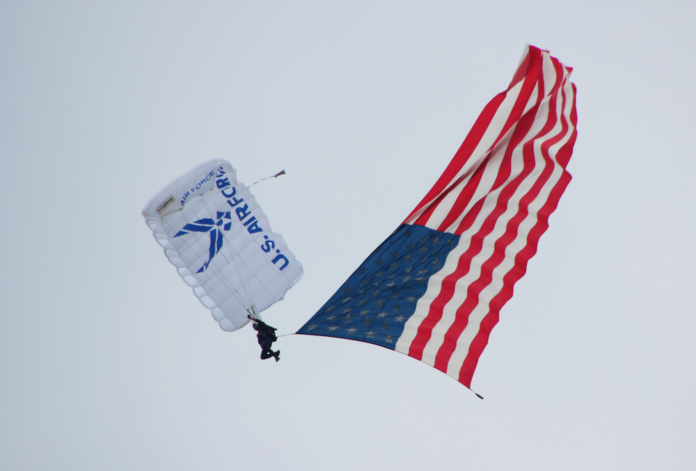 U.S. Air Force Parachute Team – Wings of Blue Demo
