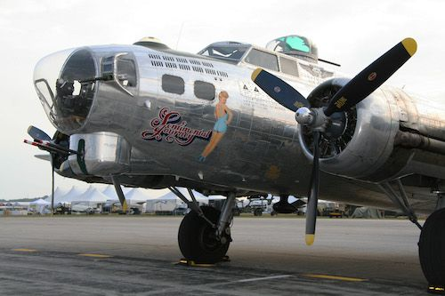 B-17_Sentimental_Journey-compressor